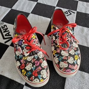 Kids Van's Authentic Lo Pro Hello Kitty